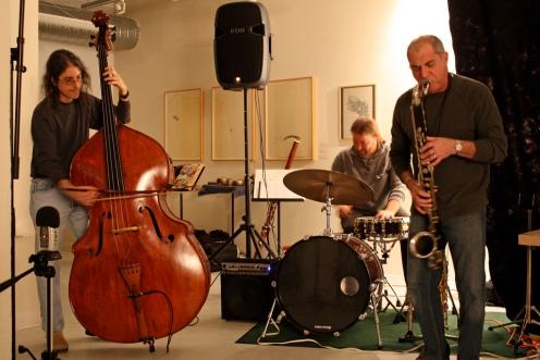 The Mindbreath Trio (DB, Alan Munshower, Perry Conticchio)